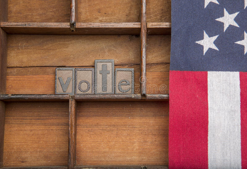 Голосование с американским флагом стоковая фотография rf
