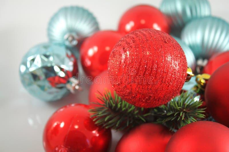 Download год рождества 2007 шариков стоковое фото. изображение насчитывающей ель - 81800458