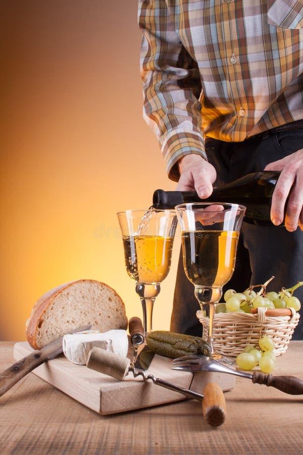 Год сбора винограда белого вина стоковая фотография