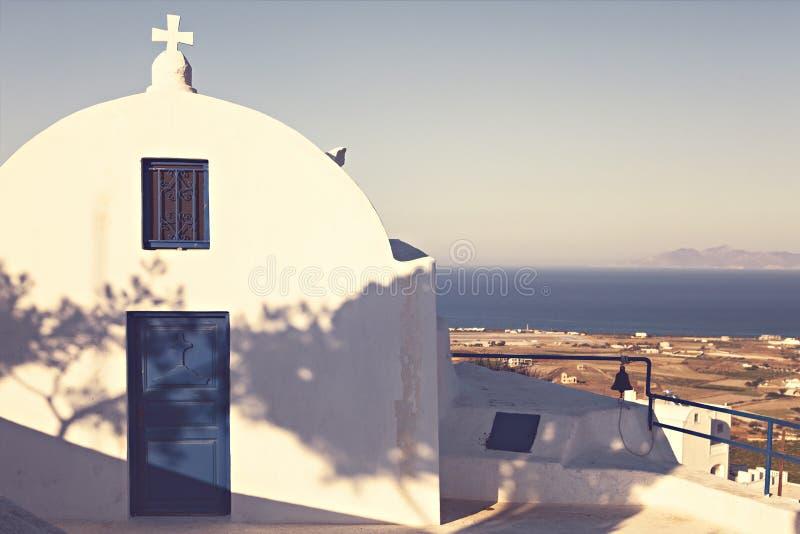 Год сбора винограда ввел церковь в моду Santorini стоковая фотография rf
