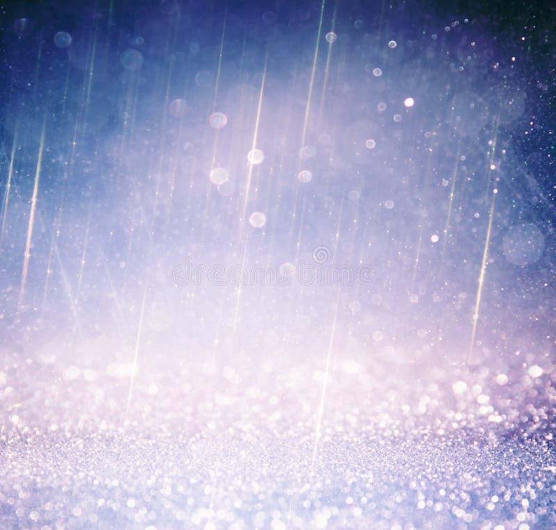 Год сбора винограда яркого блеска освещает предпосылку светлые серебр, золото, пурпур и чернота defocused стоковые фотографии rf