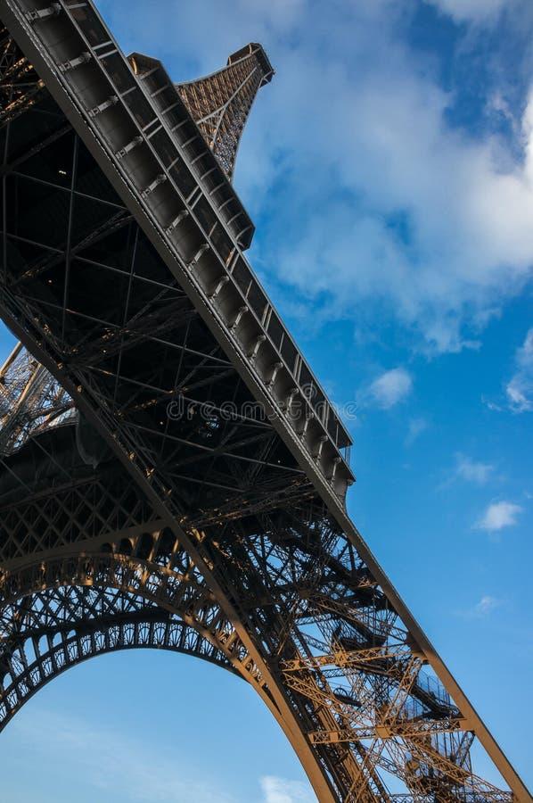 голубая башня неба eiffel стоковая фотография