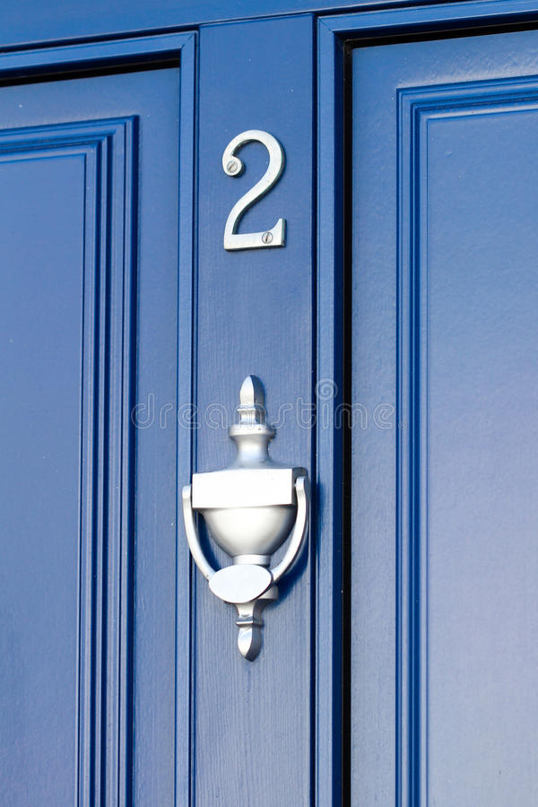 Голубая дверь - 2 стоковое фото