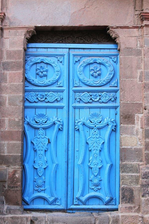 Голубая дверь, Cuzco, Перу стоковые изображения rf