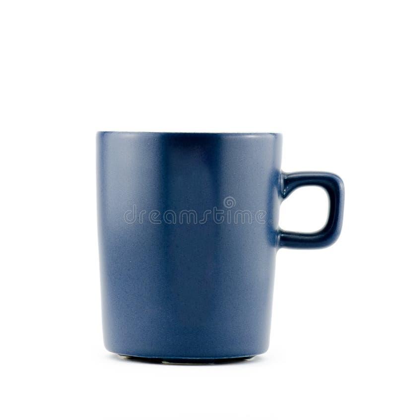 голубая кружка изолированная на белой предпосылке стоковое изображение