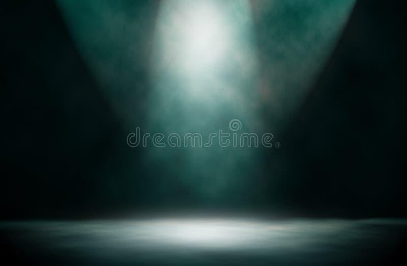 Голубая предпосылка студии дыма фары стоковое фото