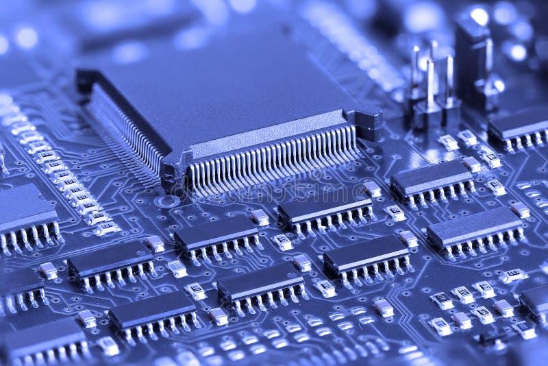 голубая цепь доски электронная стоковые фото