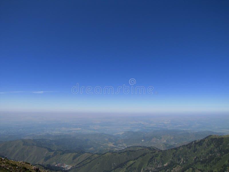 голубое глубокое небо стоковые изображения rf