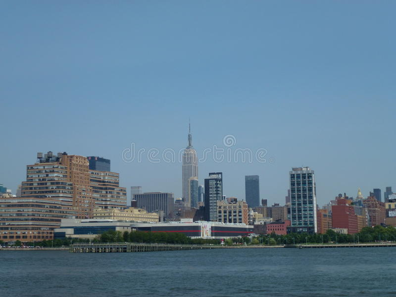 Голубое небо над Нью-Йорком, США стоковая фотография rf