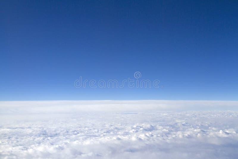 Download Голубое небо стоковое изображение. изображение насчитывающей бобра - 37927079