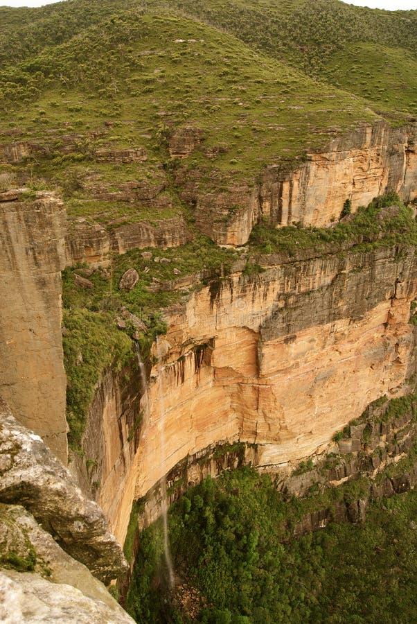 Голубой водопад гор стоковая фотография rf