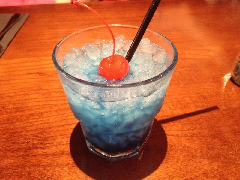 голубой коктеил стоковая фотография rf