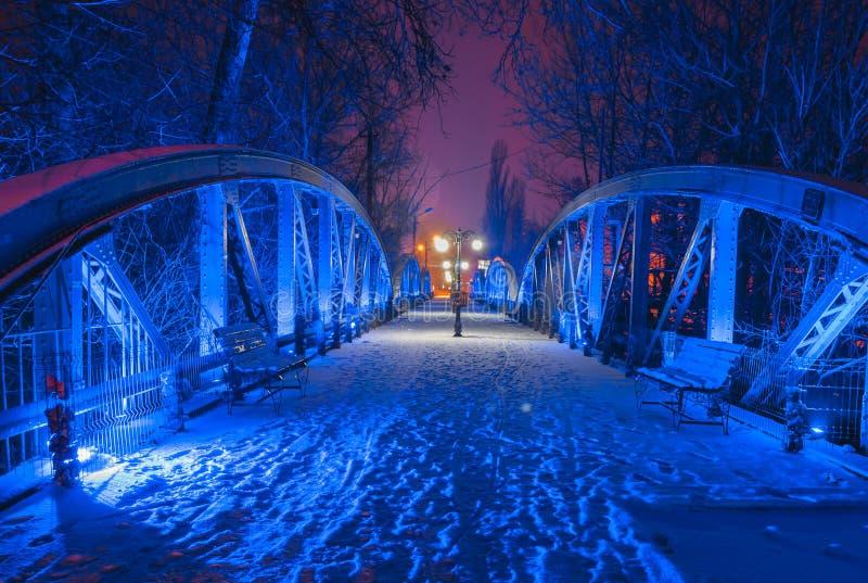 Голубой мост от Bals, на ноче стоковое фото