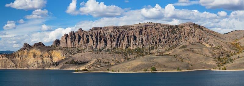 Голубой резервуар мезы в Колорадо стоковые изображения rf