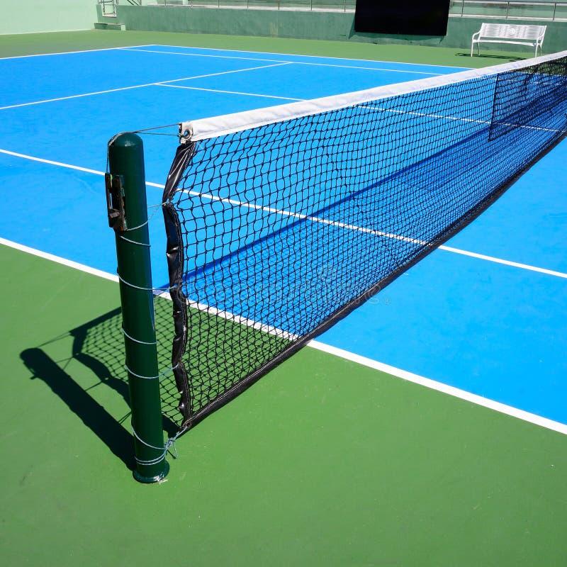 Голубой теннисный корт стоковая фотография