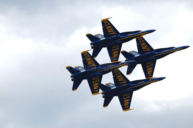 Голубые ангелы выполняя над Lake Washington стоковое изображение rf
