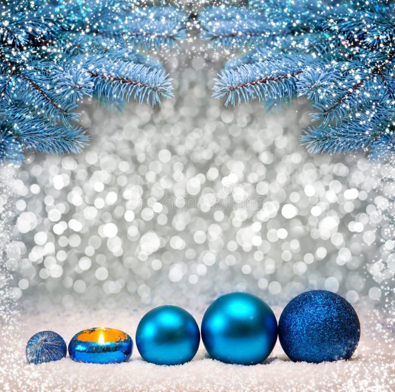 Голубые ветви предпосылки и ели рождества стоковое изображение