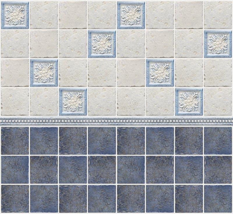 Голубые мраморные плитки с флористическими украшениями стоковые фото