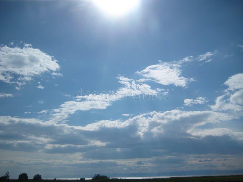 голубые небеса стоковое фото rf