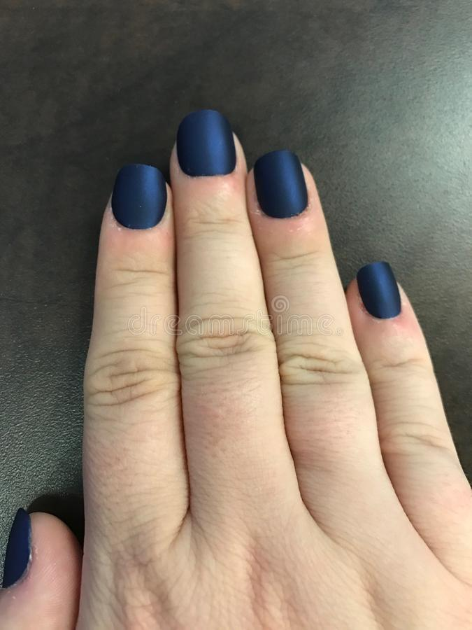 голубые ногти стоковое фото