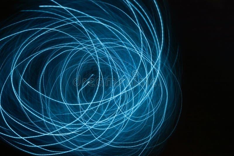 Голубые спирали светлой энергии стоковая фотография