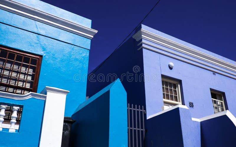 Голубые фронты дома в Кейптауне стоковая фотография