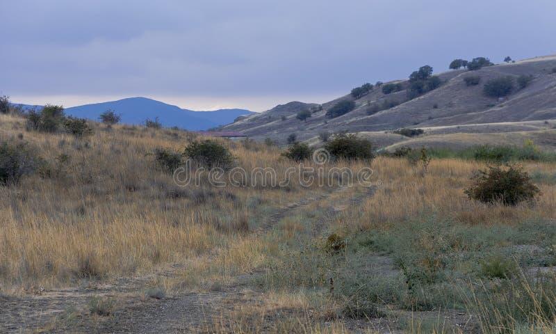 Голубые холмы и горные пики Koktebel стоковые изображения
