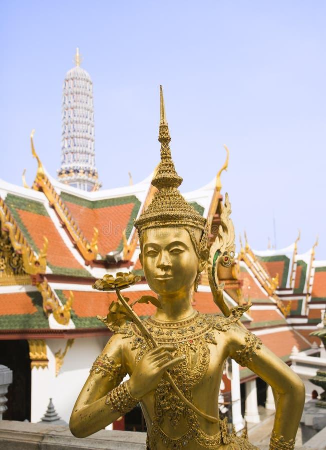 грандиозная статуя дворца стоковое фото