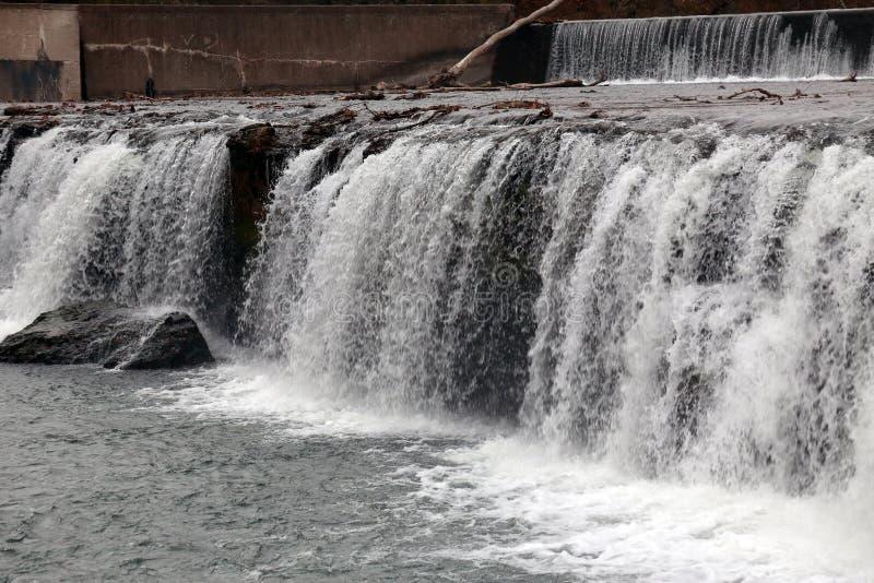 Грандиозные падения мочат падение, Joplin, Миссури стоковые изображения rf