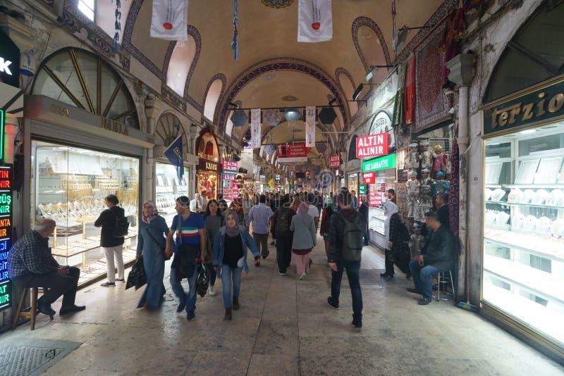 Грандиозный благотворительный базар в Стамбуле, Турции стоковые изображения