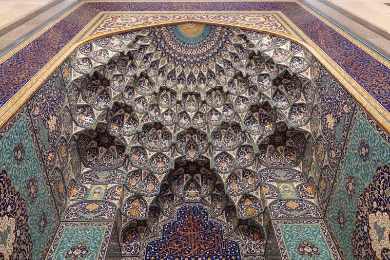 грандиозный маскат Оман мечети стоковые изображения rf
