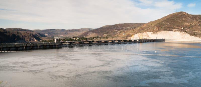 Грандиозный резервуар длиной панорамный восточный Вашингтон озера запруд Coulee стоковые изображения