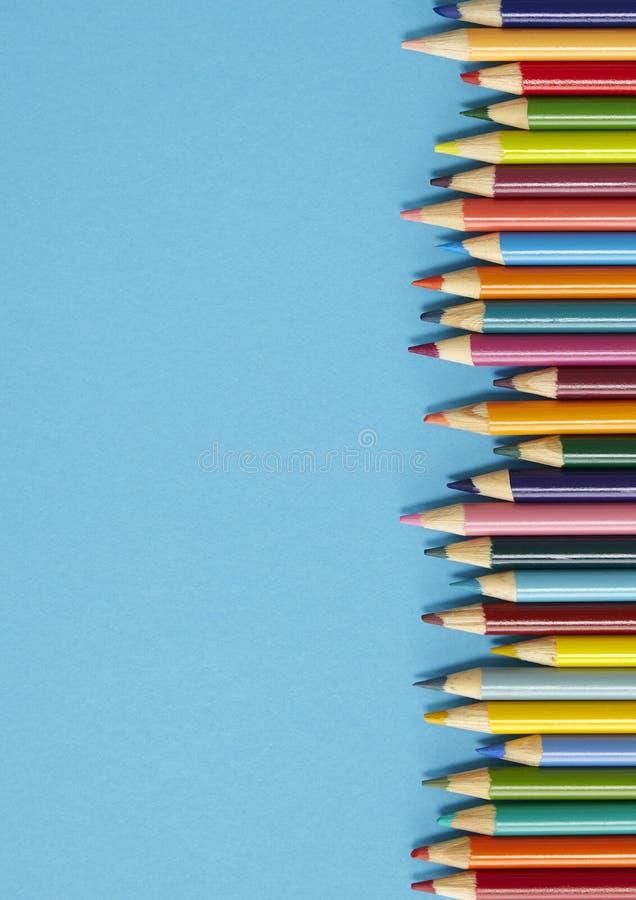 Граница карандаша расцветки - синь стоковые изображения