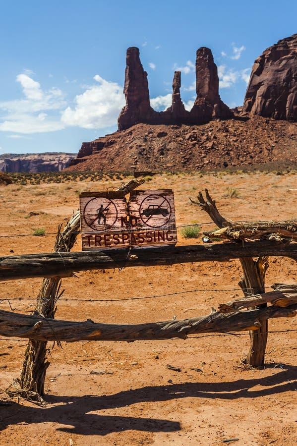 Граница к долине памятника, Юта стоковая фотография rf