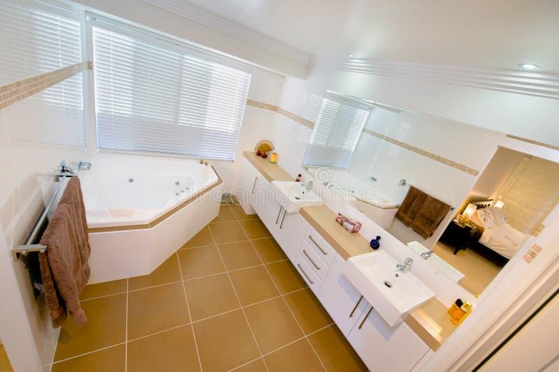 граничащая основа спальни ванной комнаты стоковое изображение