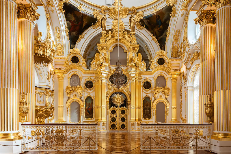 Грандиозная церковь Зимнего дворца (обители положения) в St p стоковые фотографии rf