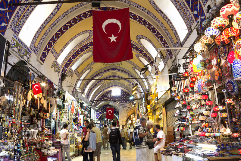 Грандиозный благотворительный базар в Стамбуле стоковые фото