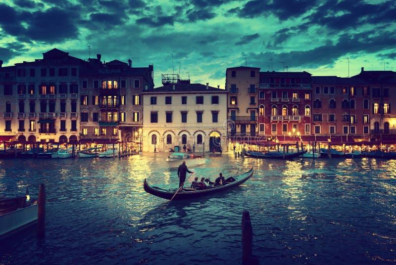 Грандиозный канал во времени захода солнца, Венеция, Италия стоковая фотография