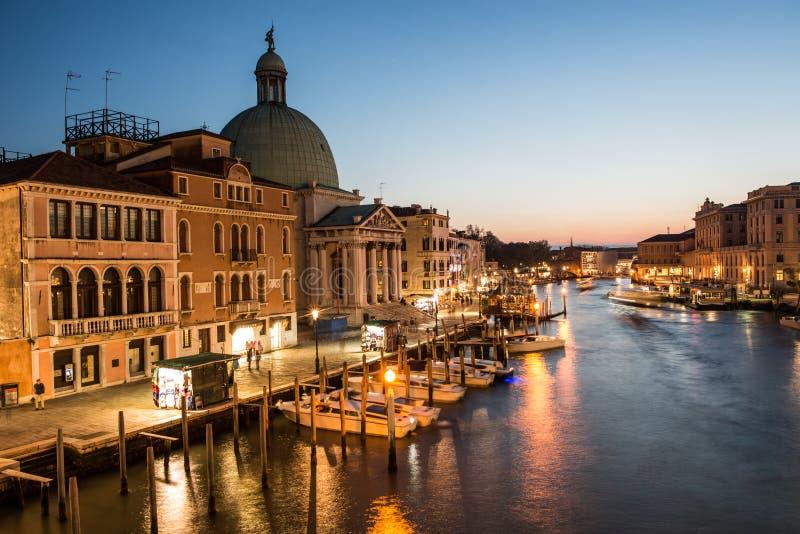 Грандиозный канал в времени захода солнца, Венеция стоковая фотография rf