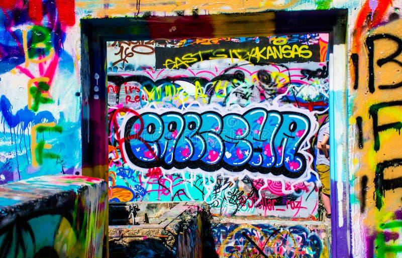 Граффити городского пейзажа Остина Техаса в граффити Остина случайных надеются внешняя художественная галерея стоковое изображение rf