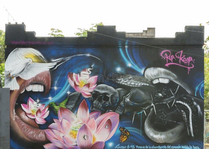 Граффити змейки, птиц, черепов, рта, лотоса, бабочки и mo стоковое фото rf