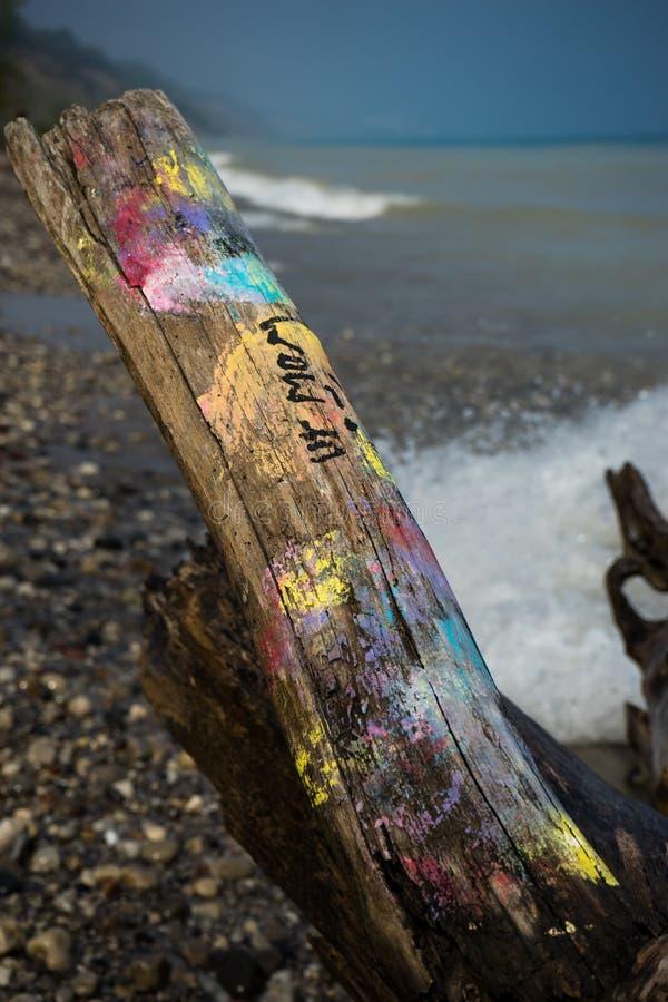 Граффити на береге стоковые изображения