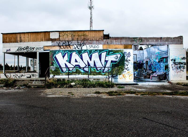 Граффити на стенах здания стоковое фото