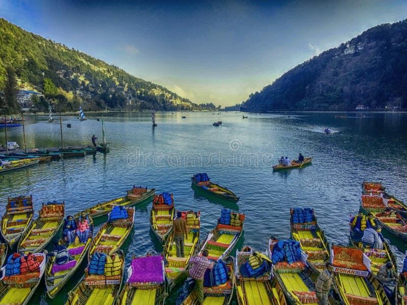 гребля в озерах горы стоковые изображения