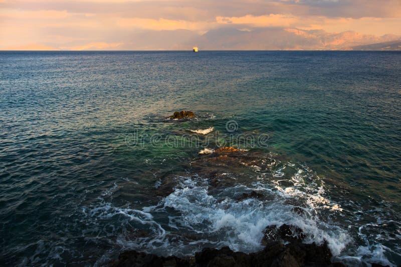 Греция Крит Море Заход солнца стоковые фото