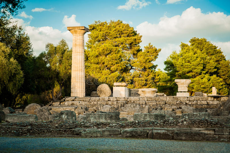 Греция, Олимпия, олимпийское пламя воспламенена на месте где стоковое фото