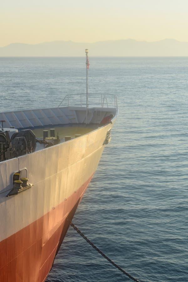 Греция, порт Rafina Смычок парома стоковое изображение
