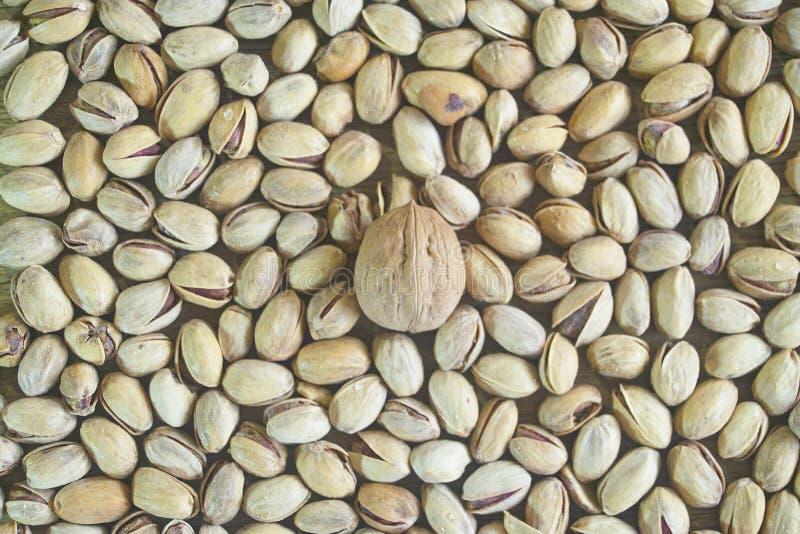 грецкий орех фисташек солёный стоковые фотографии rf