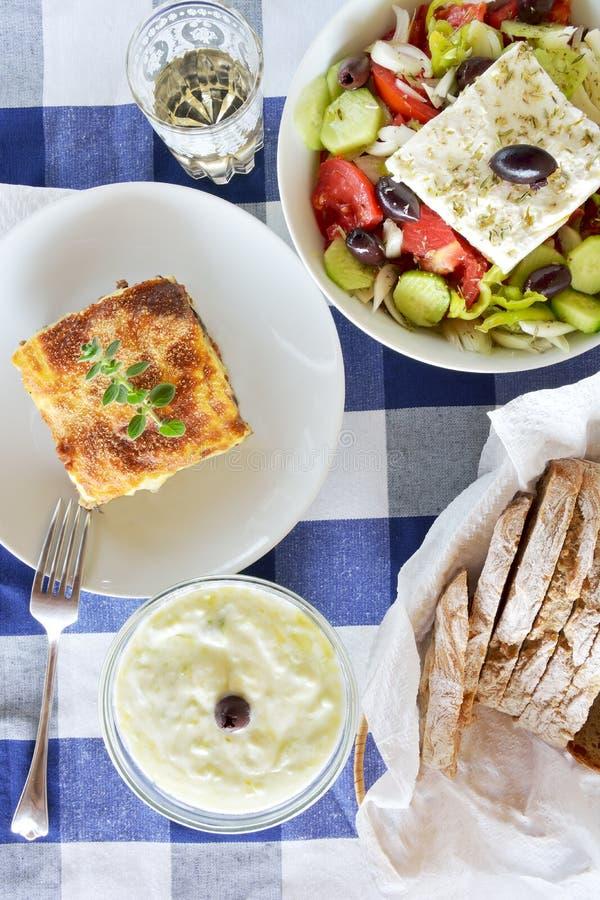 Греческая еда с mousaka стоковые фото