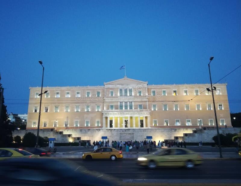 Греческий парламент в Афинах, квадрате синтагмы стоковое фото